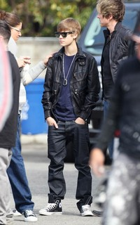 Justin-Bieber-DG-Leather-Zipper-Jacket-Blue-Super-Sunglasses-Camo-Converse-Sneakers.jpg